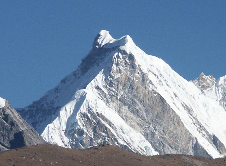 Climb Nirekha Peak via Everest Base Camp & Gokyo Lake